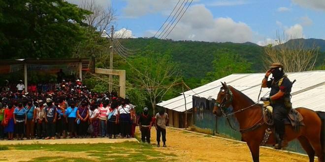 ENTRE LA LUZ Y LA SOMBRA COMUNICADO DEL EZLN