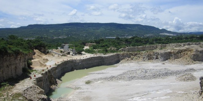 Continúan afectaciones a la salud de habitantes de la Ribera Cahuaré, por parte de empresa calera.