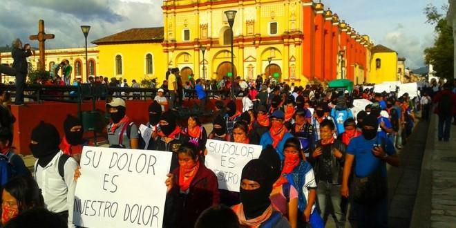 REALIZA EZLN MARCHA SILENCIOSA EN SEÑAL DE DOLOR Y CORAJE POR AYOTZINAPA