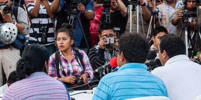 «Que llegue hasta los últimos rincones del mundo, la inconformidad de cómo el procurador viene a informar a la sociedad mexicana», padres de Ayotzinapa.