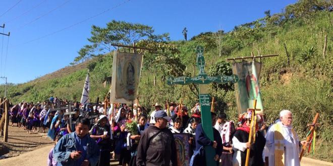 «Hace 17 años, los paramilitares creados, financiados y entrenados por el gobierno de Zedillo, masacraron 45 hermanos nuestros», Abejas de Acteal.