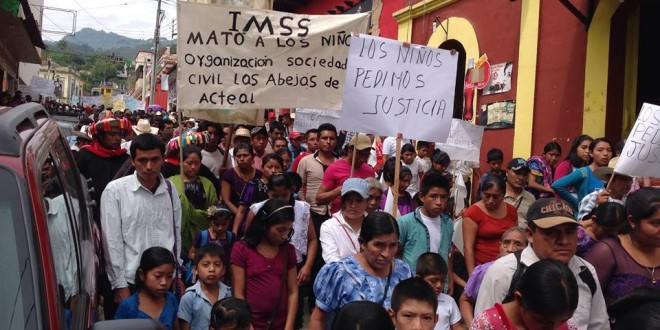 «Los bebes no los vamos a cambiar por cinco mil pesos, como ofrece el gobierno de Manuel Velasco», afirman en peregrinación en Simojovel Chiapas.