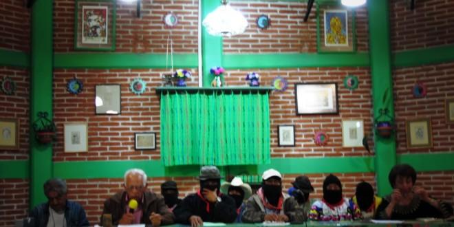 """""""Entre los diferentes, lo que da frutos es compartir"""", inicia seminario el EZLN en San Cristóbal de las Casas."""