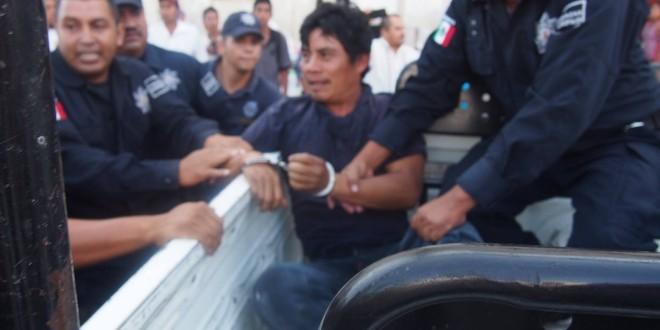 Evidencian detenciones arbitrarias y persecuciones a gente inocente por parte de la policía, tras protestas electorales en Ocosingo Chiapas.