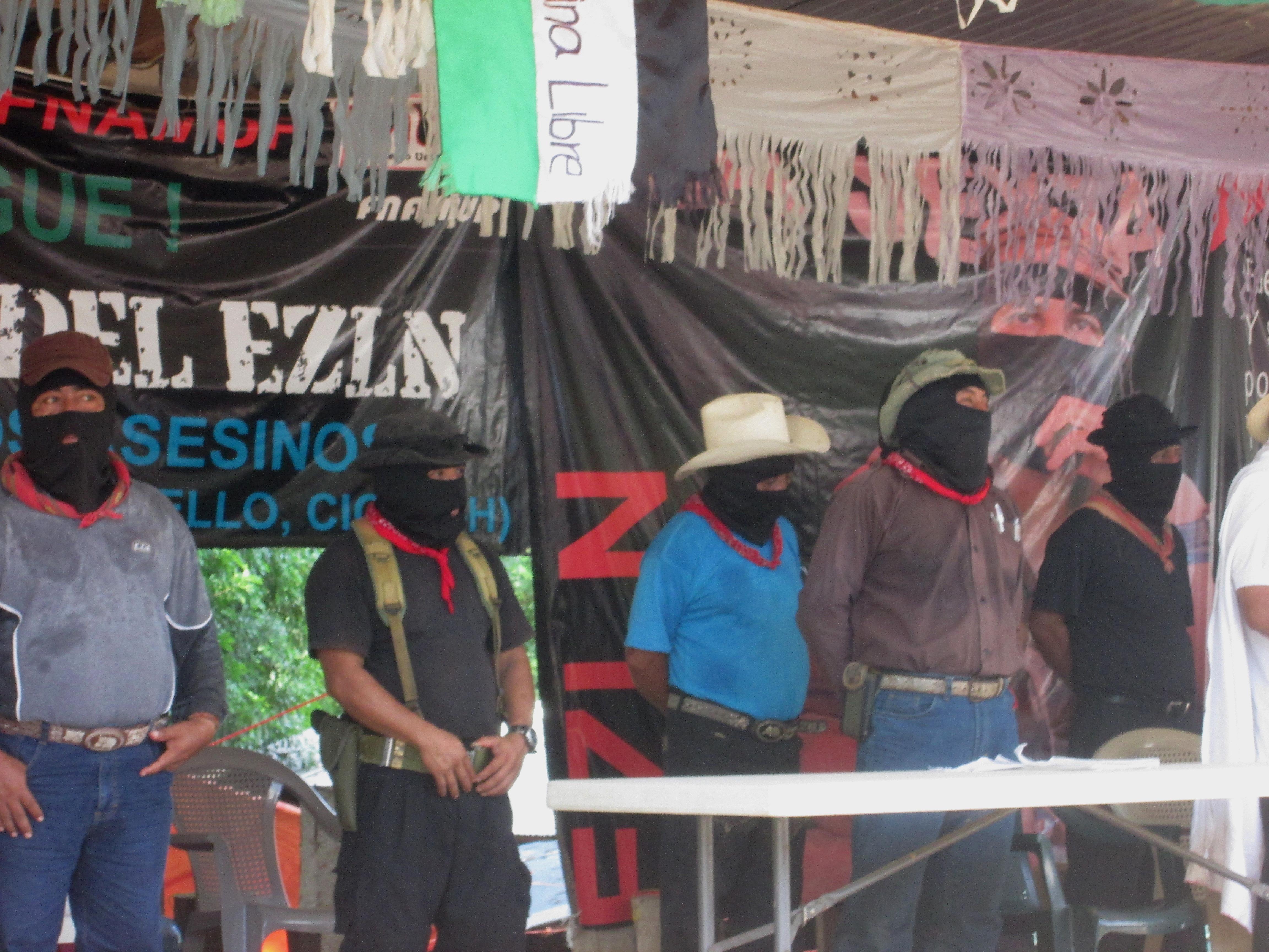 «El asesino Peña Nieto, pretende arrebatar el territorio comunal de San Francisco Xochicuautla», alerta CNI y EZLN.