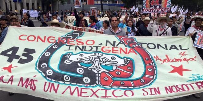 Integrantes del Congreso Nacional Indígena (CNI) se solidarizan con Ayotzinapa. 26 de septiembre.