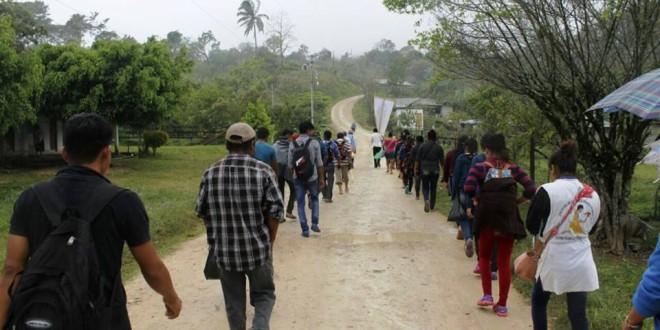 Chiapas: Choles, tseltales, tsotsiles y zoques exigen justicia por la Masacre de Viejo Velasco. Peregrinarán más de 200 km.