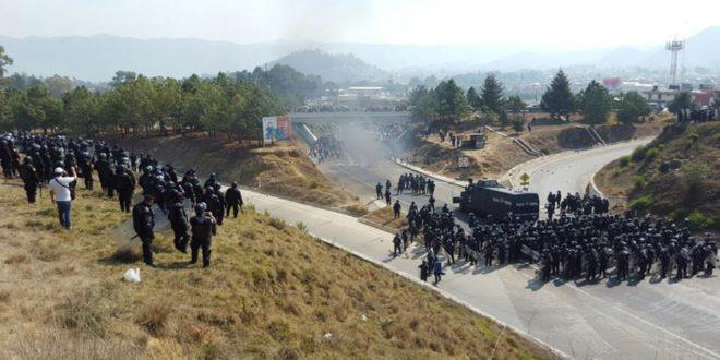 """Chiapas: """"Privaciones arbitrarias de la libertad y tortura a docentes de la CNTE"""", Frayba."""