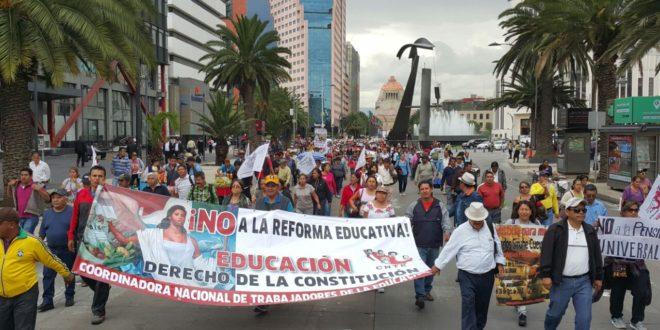 La CNTE y trabajadores del campo marchan en CDMX