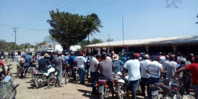 """Oaxaca: """"Desde el gobierno del estado, intentan crear un clima de violencia para militarizar nuestra zona de pesca y nuestro territorio"""", Pescadores de San Francisco del Mar"""