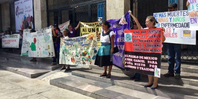 Mujeres de Chiapas caminan hasta 3 horas para recibir atención médica .