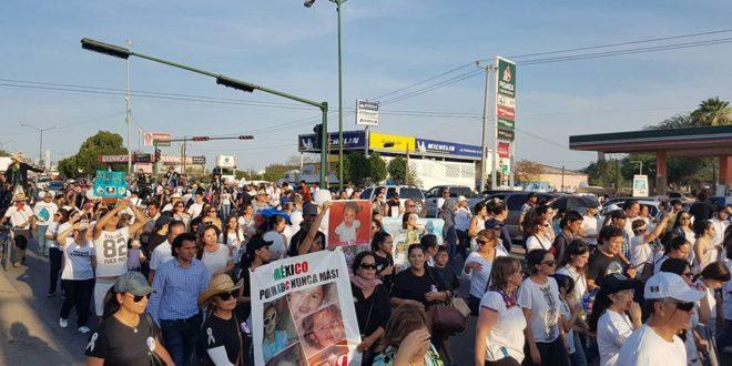 """México: """"Peleamos pensando en todos l@s niñ@s de nuestro país"""", madres y padres ABC"""