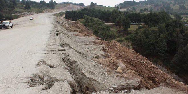 """Edomex: """"En peligro nuestra existencia"""", alertan indígenas de Ayotuxco, por megaproyecto carretero"""