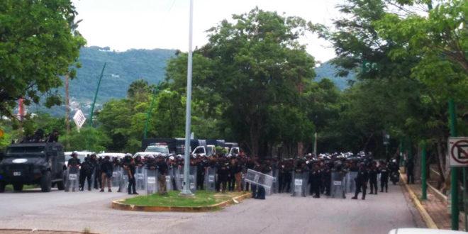 Gobierno de Chiapas rompe diálogo y reprime a maestros estatales