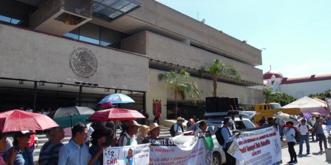 Chiapas: «La pandemia, pretexto para que 4T lacere derechos del magisterio»
