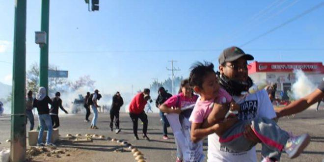 Chiapas: policía arremete contra familiares de los 43 normalistas de Ayotzinapa, denuncia AED_CNTE Chiapas