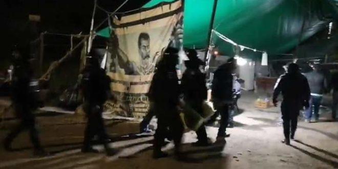 """La tierra «nos llama para que la libertemos de traidores"""", le recuerdan a Amlo, citando a Guillermo Prieto"""