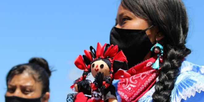 México: Indígenas denuncian más casos de racismo en trámites para obtener el pasaporte