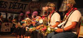 Ofrecen en Francia flores de los Jardines a Defender a la delegación marítima del EZLN