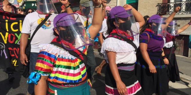 Zapatistas toman la calle y caminan preguntando con trabajadores Sin Papeles y Zadistas