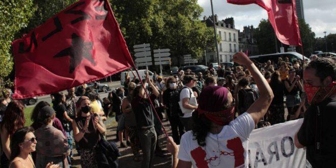Paso Libre Zapatistas, exigen desde Nantes, Francia.