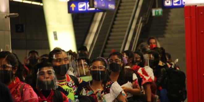 La délégation aérienne de l'EZLN atterrit et s'exprime à Vienne
